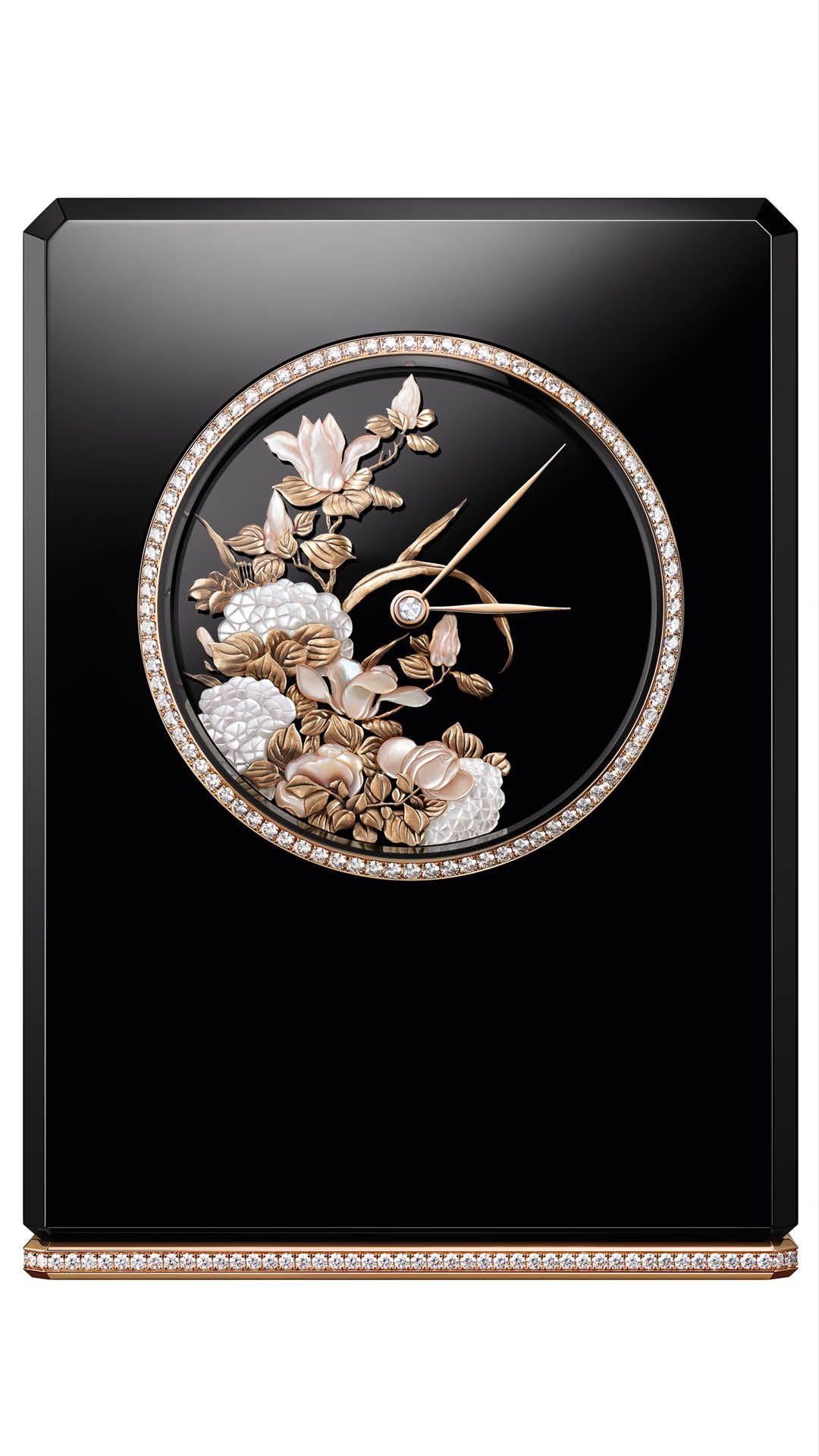 Mademoiselle-Prive-Desk-Clock