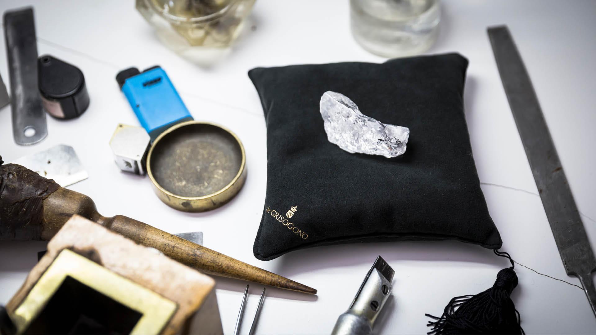 De-Grisogono-rough-diamond-Angola