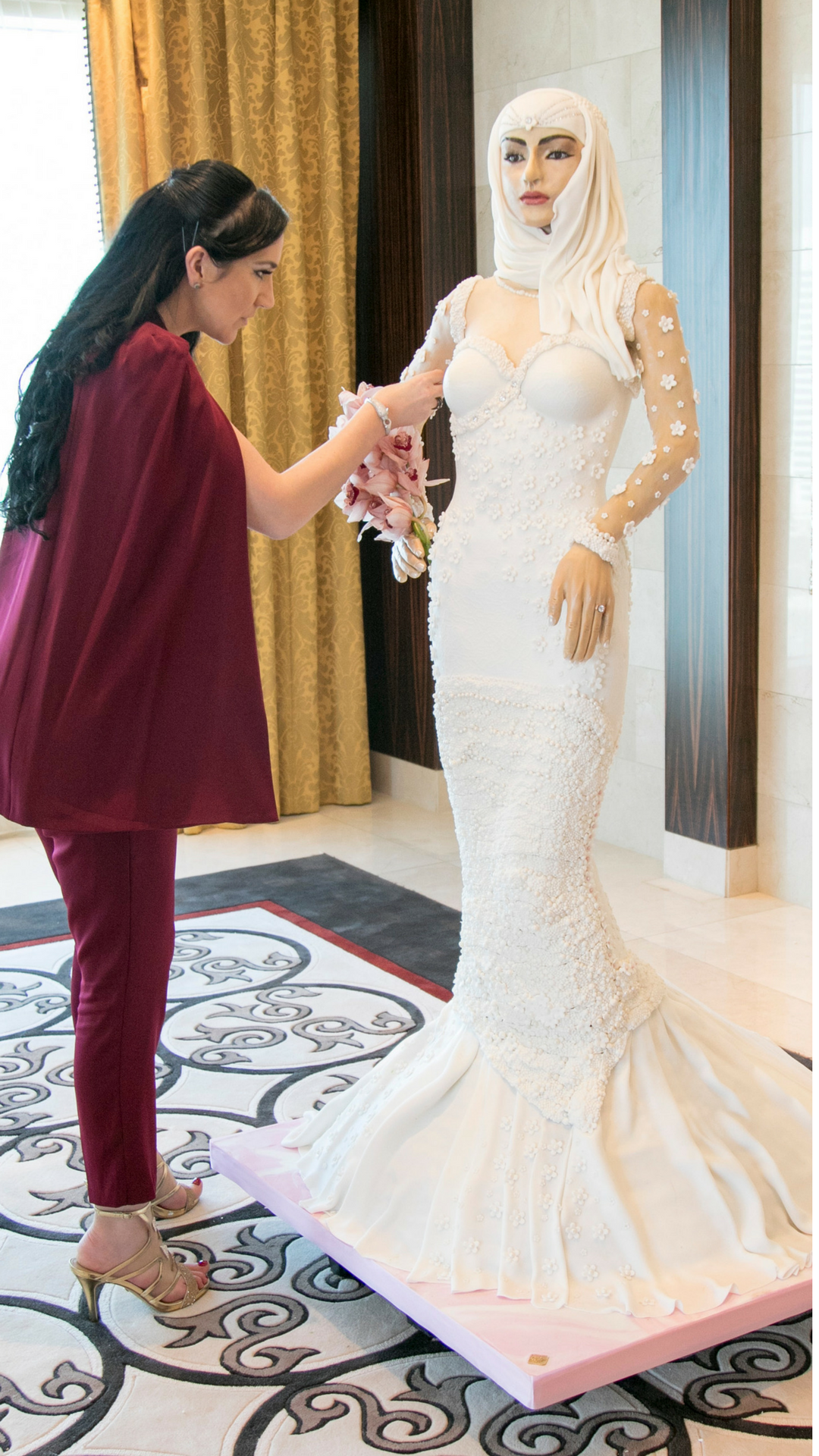 This Is What A Million Dollar Arab Bride Shaped Wedding Cake Looks