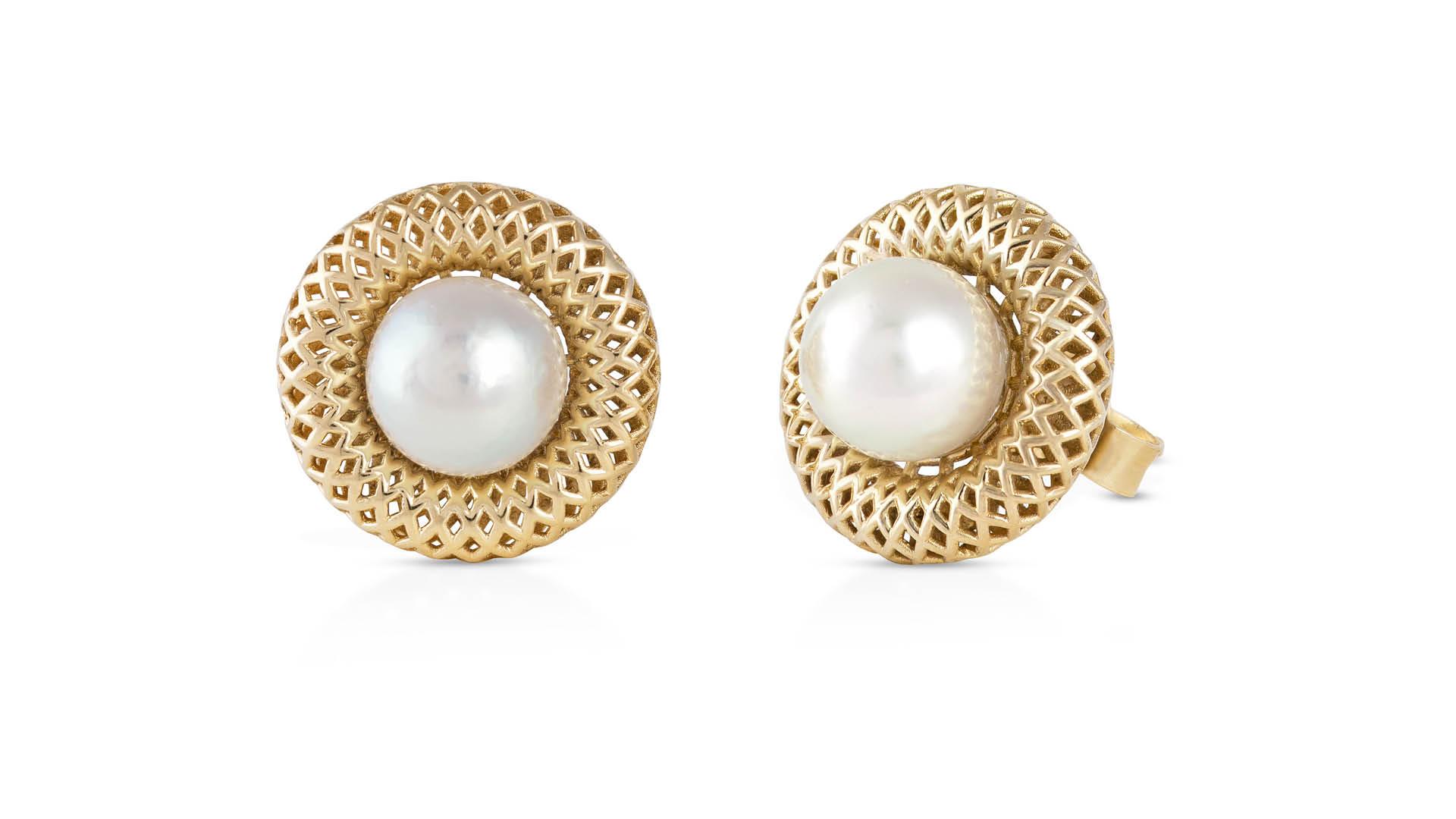 Suwaidi-Pearls-Shurooq-Al-Midfa