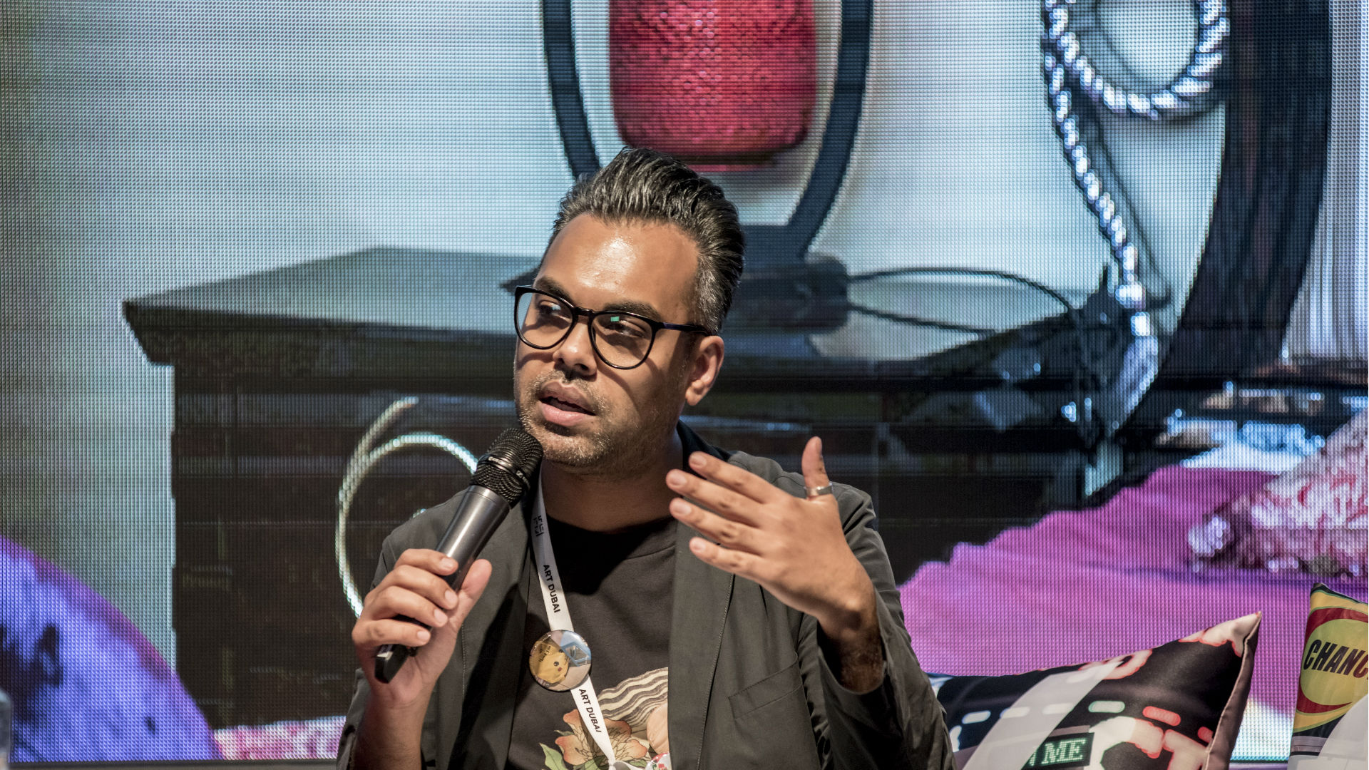 Shumon Basar at Global Art Forum 'Trading Places'. Art Dubai 2017. Courtesy of Photo Solutions.