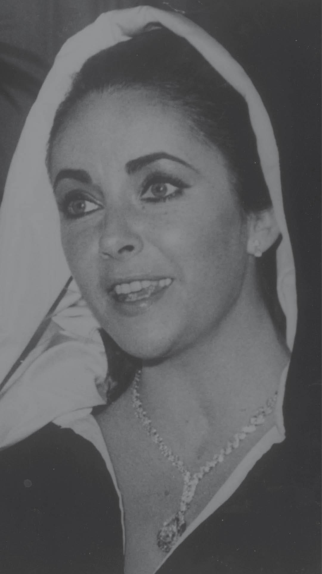 Elizabeth-Taylor-Taylor-Burton-Diamond