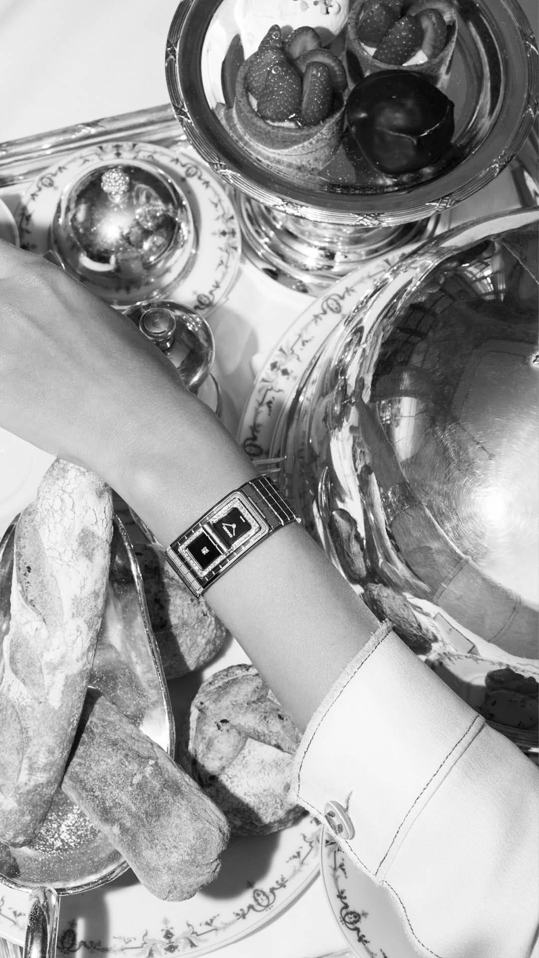 Code-Coco-Black-Ceramic-Diamond-Watch