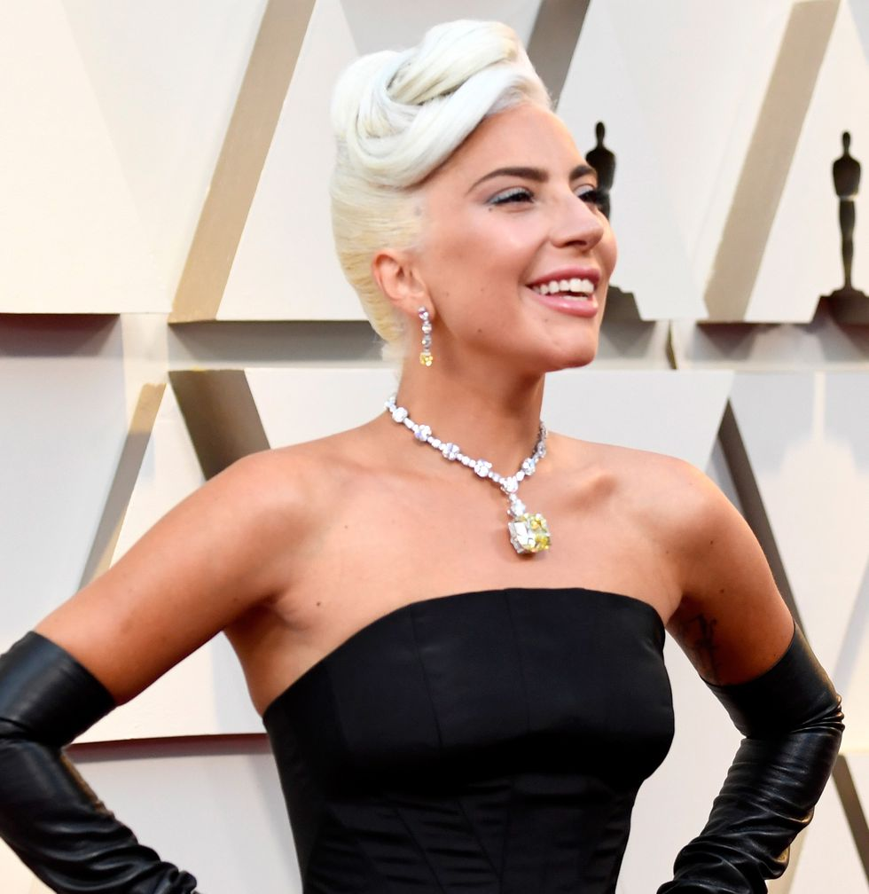 lady-gaga-tiffany-yellow-diamond-oscars