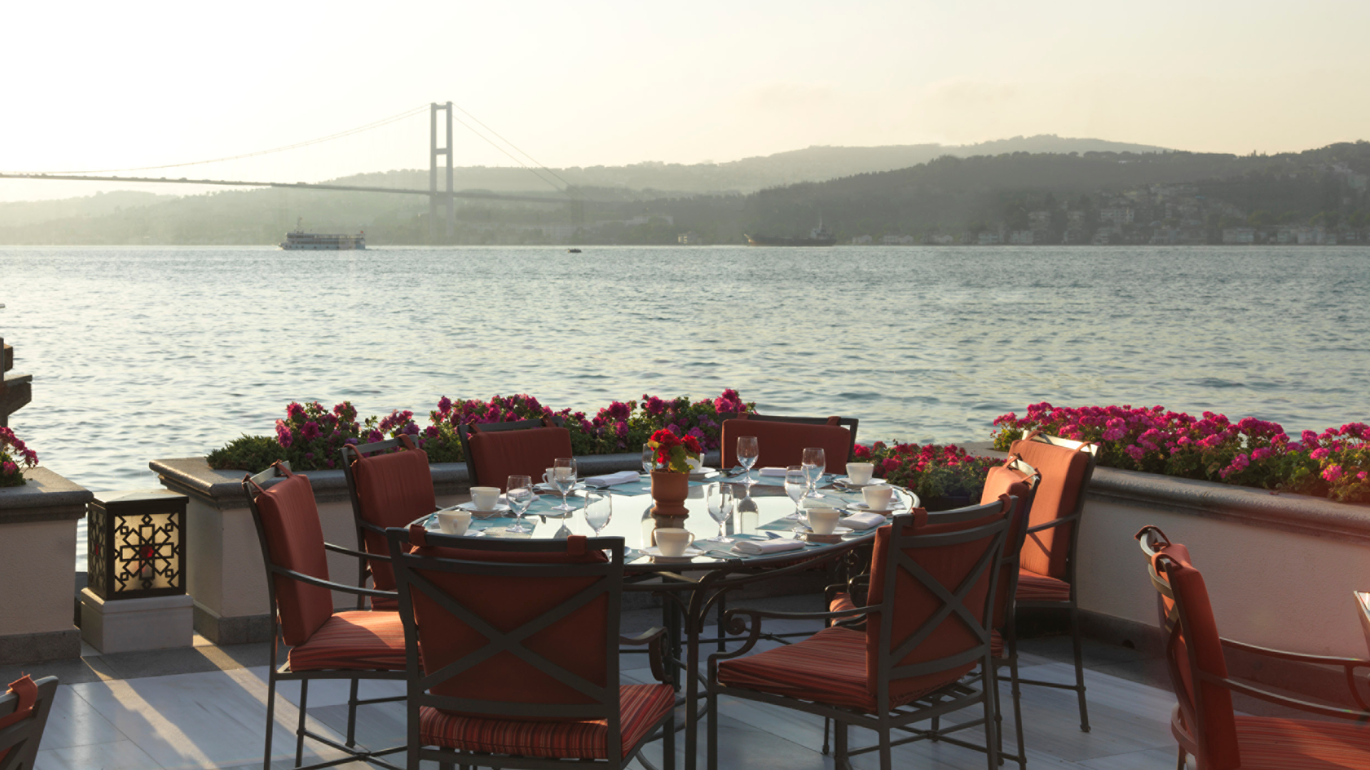 Four Seasons Bosphorus Istanbul Terrace