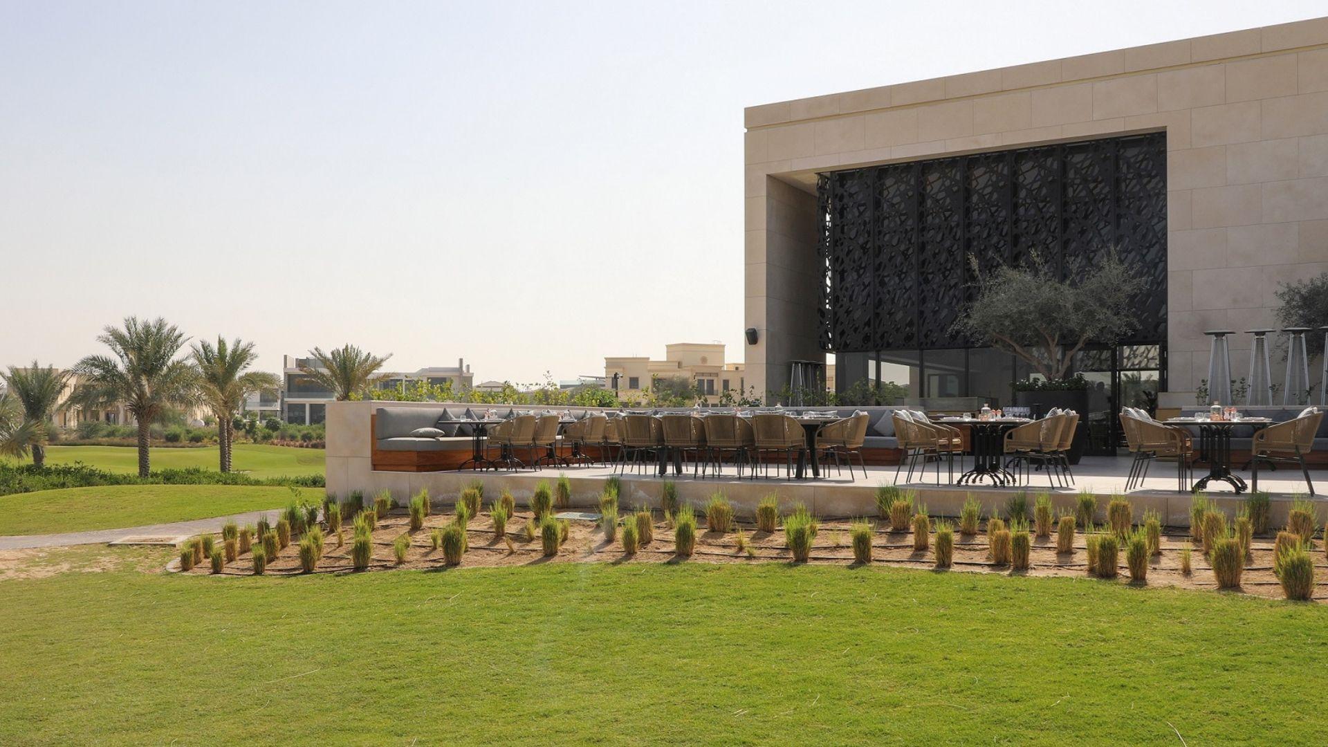Hillhouse-Brasserie-Brunch-Exterior-Golf-Club-Terrace-View-Dubai
