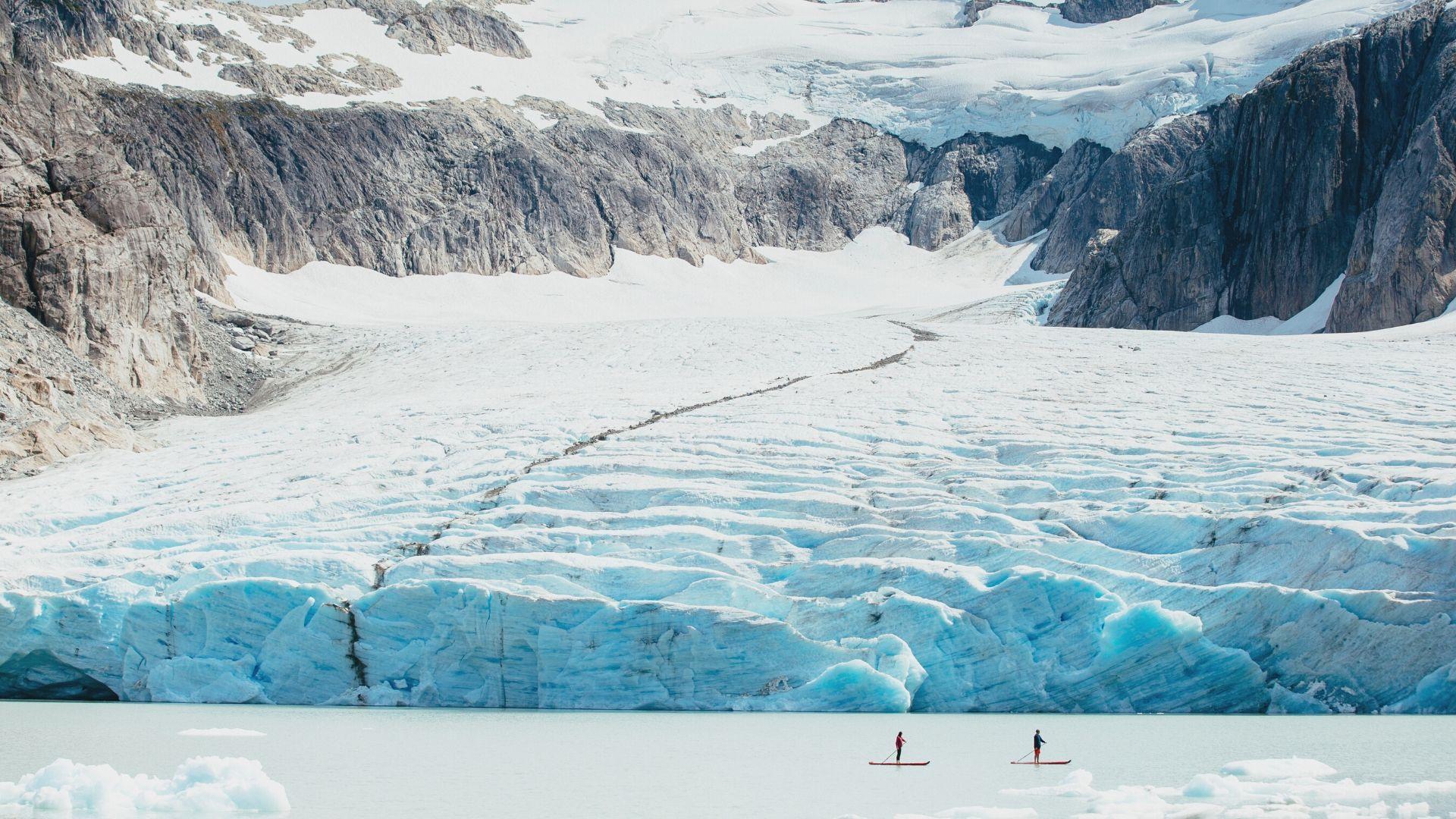 HBA-Nimmo-Bay-Resort-Canada-Paddleboard-Glacier