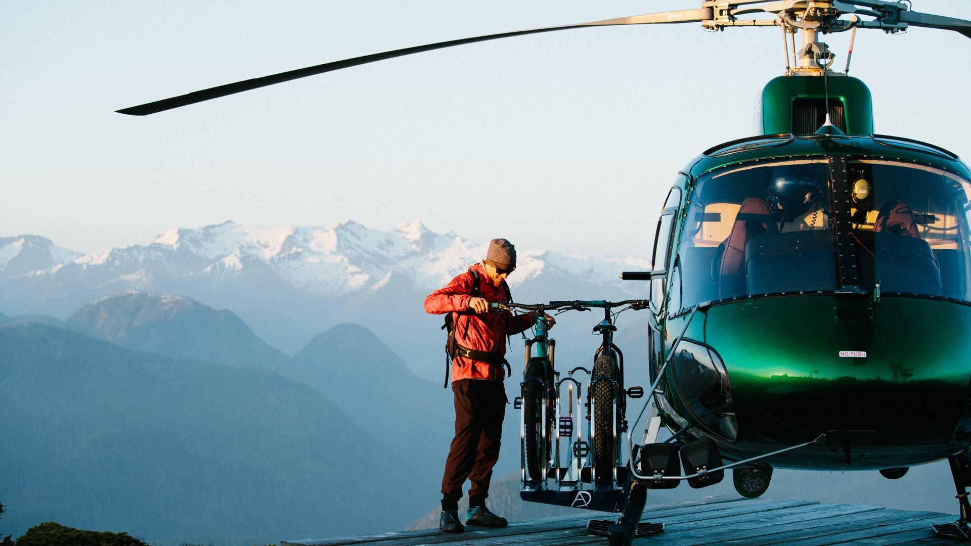 HBA-Nimmo-Bay-Resort-Canada-helicopter-adventure