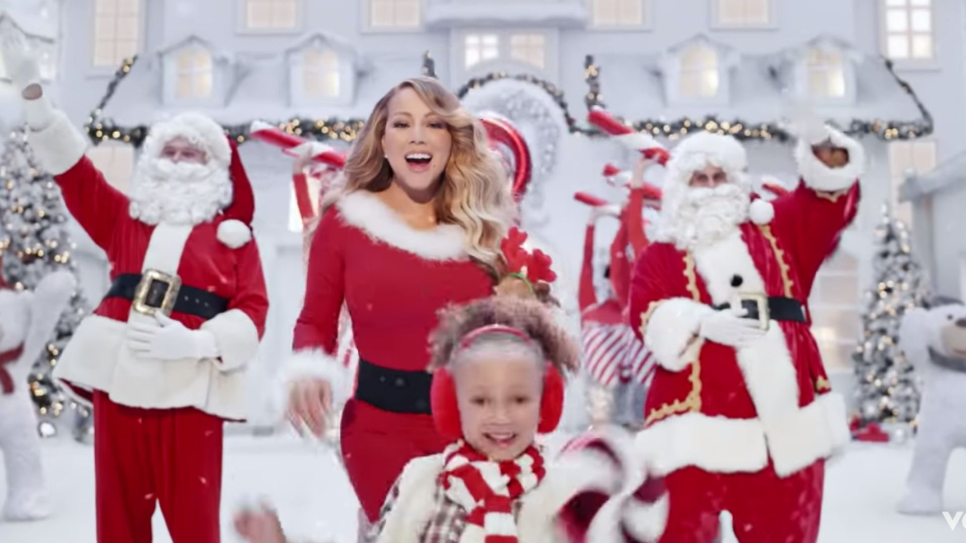 "Watch | Mariah Carey Released A New ""All I Want For Christmas"" Video 