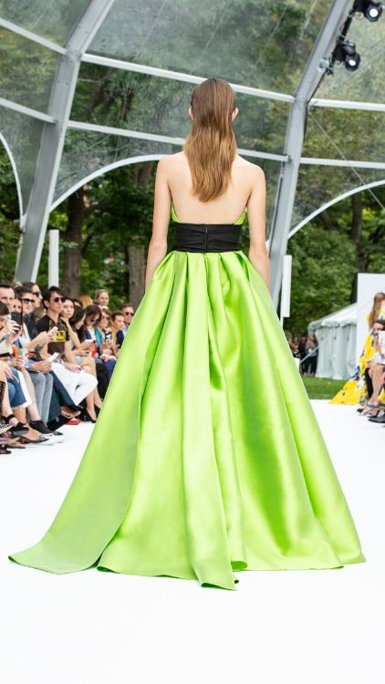 carolina-herrera-ss20-show-nyfw-march-2020-4