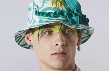 The Dior Men's Show In Miami Made A Case For Cyber-Surfer Makeup