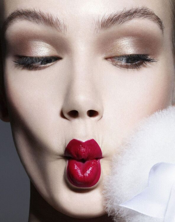 Beauty Bazaar: Make-up Secrets to Look Younger