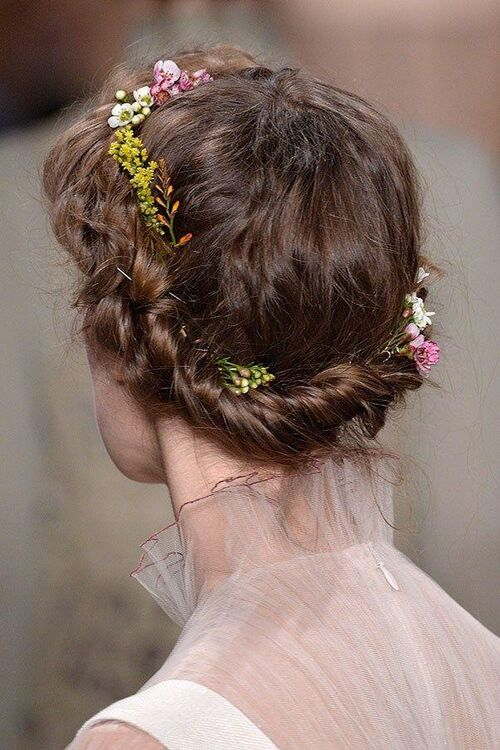 Top 10: Bridal Hairstyles From The Runway