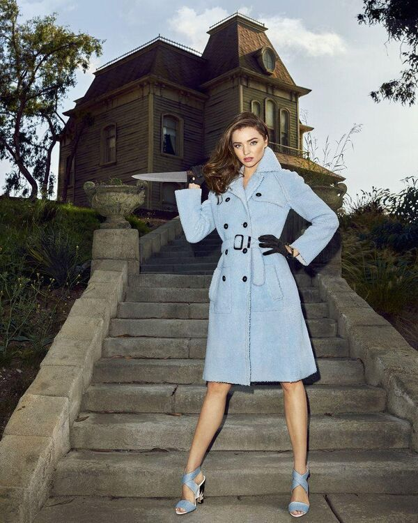 Editorial | Hauntingly Chic