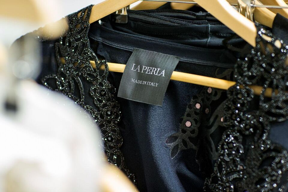 What Lies Beneath: La Perla A/W15