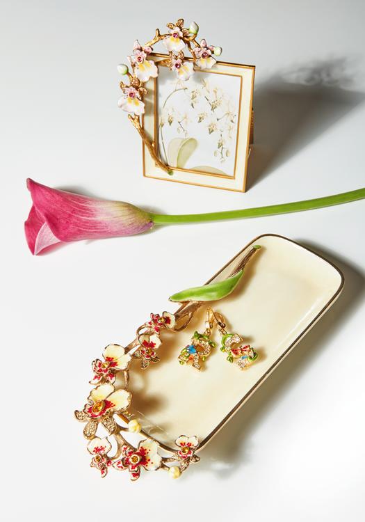 Heirloom Treasures: Beauty And The Boudoir