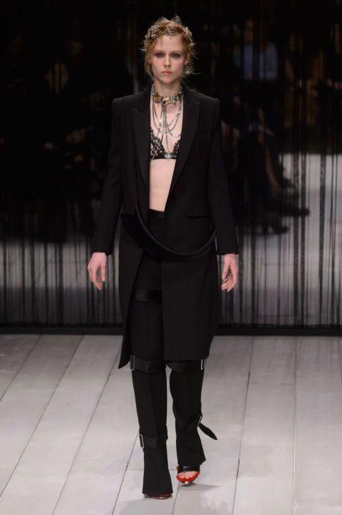 Ready-To-Wear A/W16: Alexander McQueen