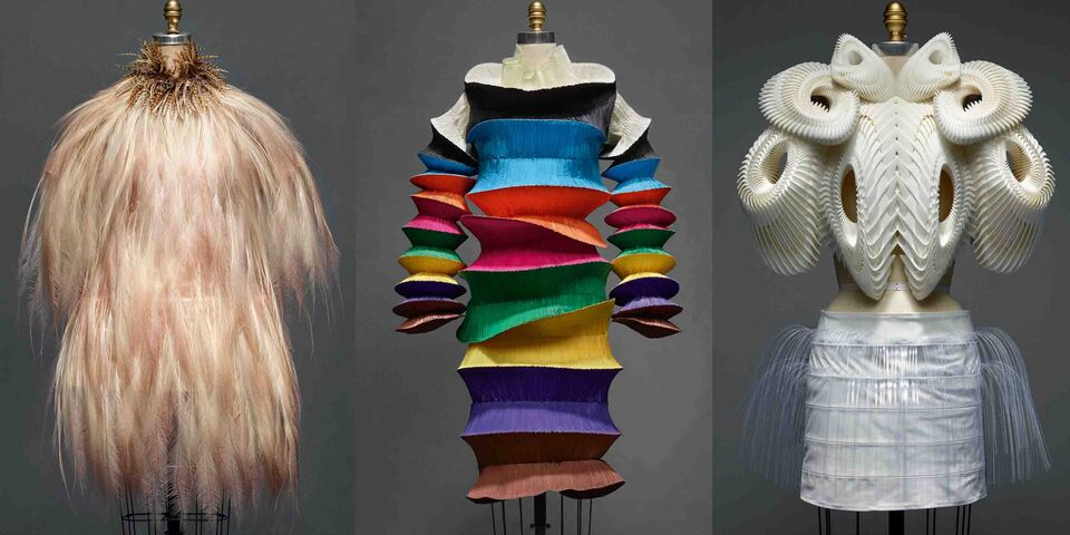 """Preview The Met's """"Manus x Machina: Fashion In An Age Of Technology"""""""