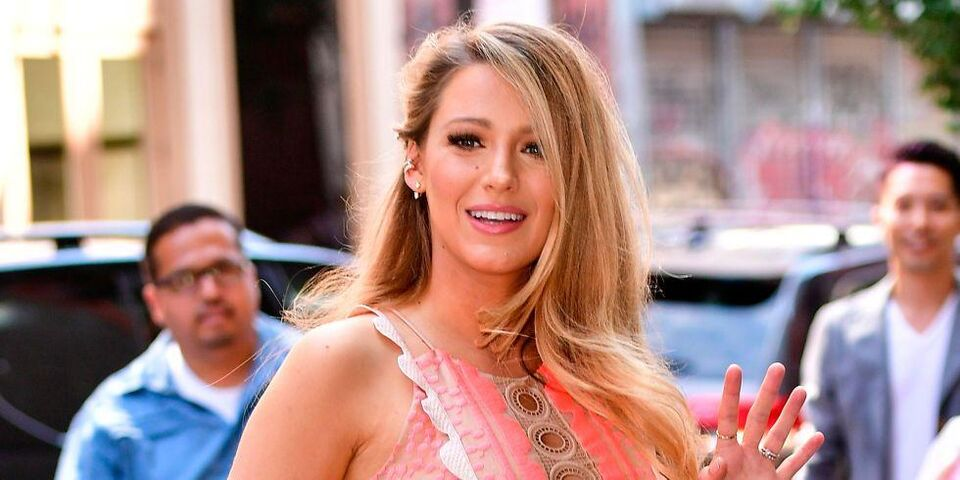 Blake Lively Looks Like A Different Person With A Dark Pixie Crop