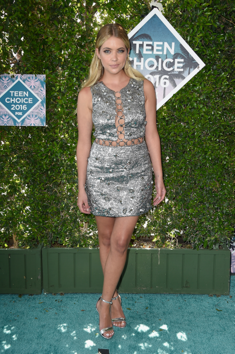 The 6 Best Dressed Celebrities At The 2016 Teen Choice Awards