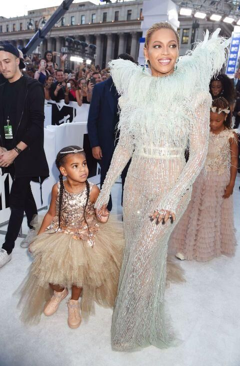 The 17 Best Dressed Celebrities On The MTV VMAs Red Carpet