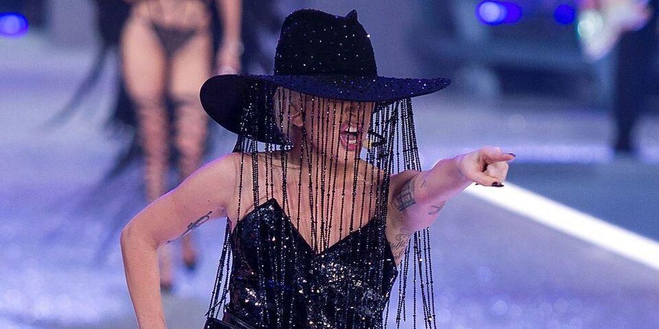 The Hat Lady Gaga Wore At The 2016 Victoria's Secret Fashion Show Cost Dhs3.7 Million