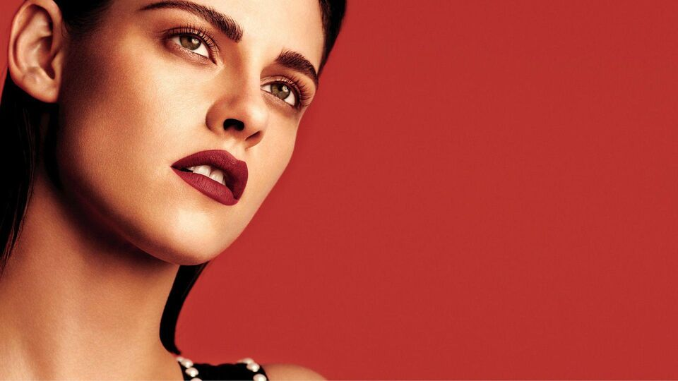 Chanel Lets The Lips Do The Talking