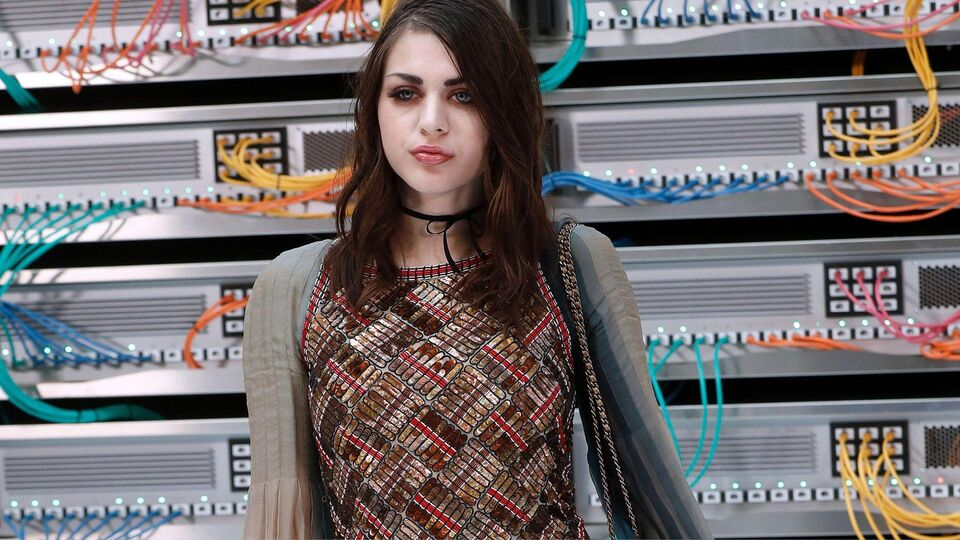 Frances Bean Cobain Stars In Marc Jacobs S/S17 Campaign