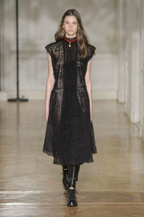 See Every Look From Valentino's Romantic A/W17 Collection