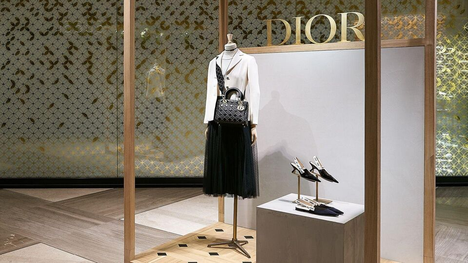 Dior Pops Up At Level Shoes