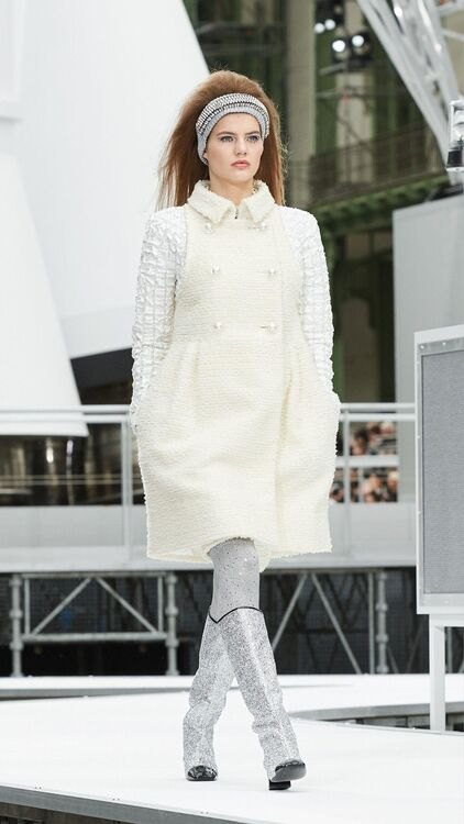 Every Look From Chanel's Intergalatic A/W17 Show