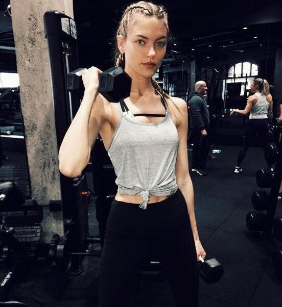 Model-Inspired Hairstyles For Your Next Workout