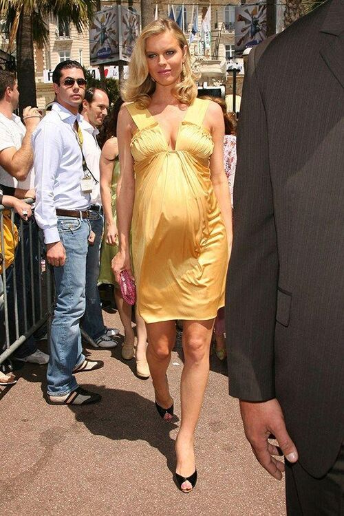 The Most Iconic Supermodel Maternity Looks Of All Time