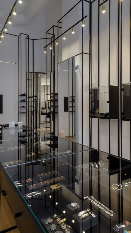 Mukhi Sisters Open First Concept Store In Beirut