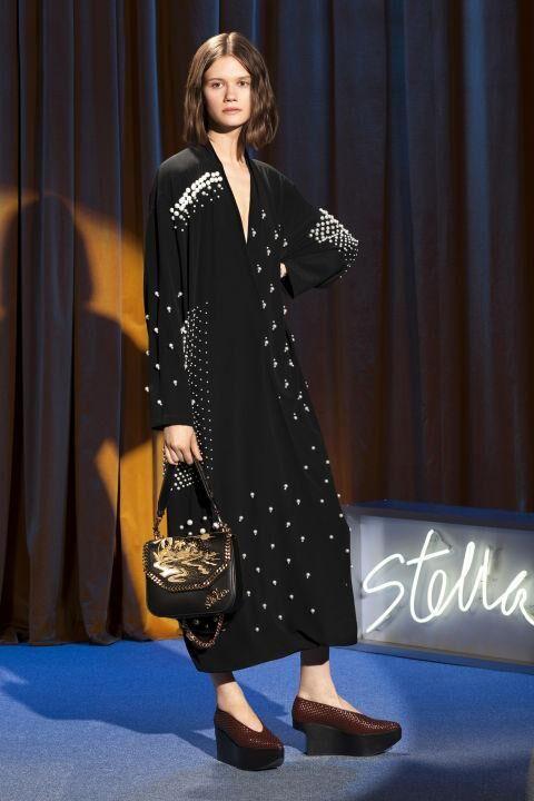 Every Single Look From Stella McCartney's 2018 Resort Presentation