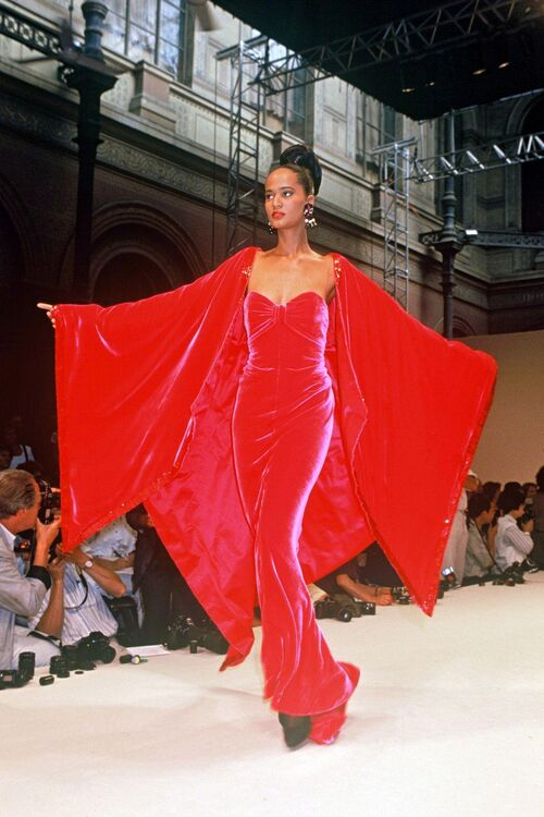 Iconic Couture Looks From The '90s