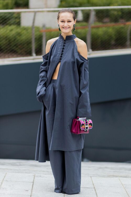 How To Pull Off One-Tone Dressing