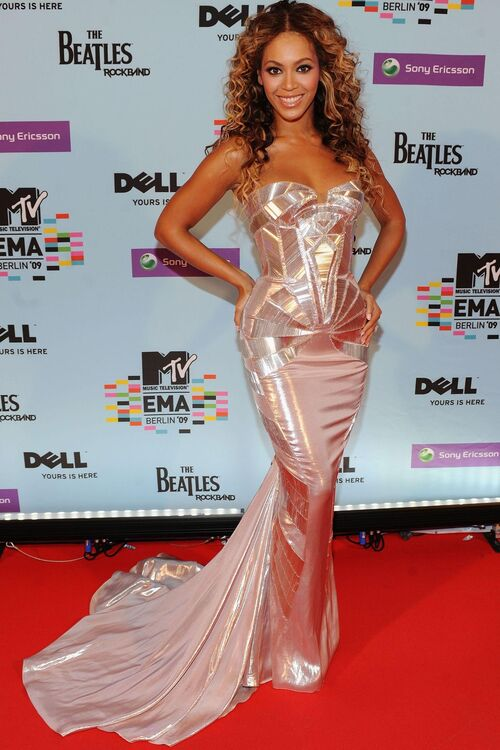 Beyoncé's Most Talked-About Looks Ever From Destiny's Child To Now