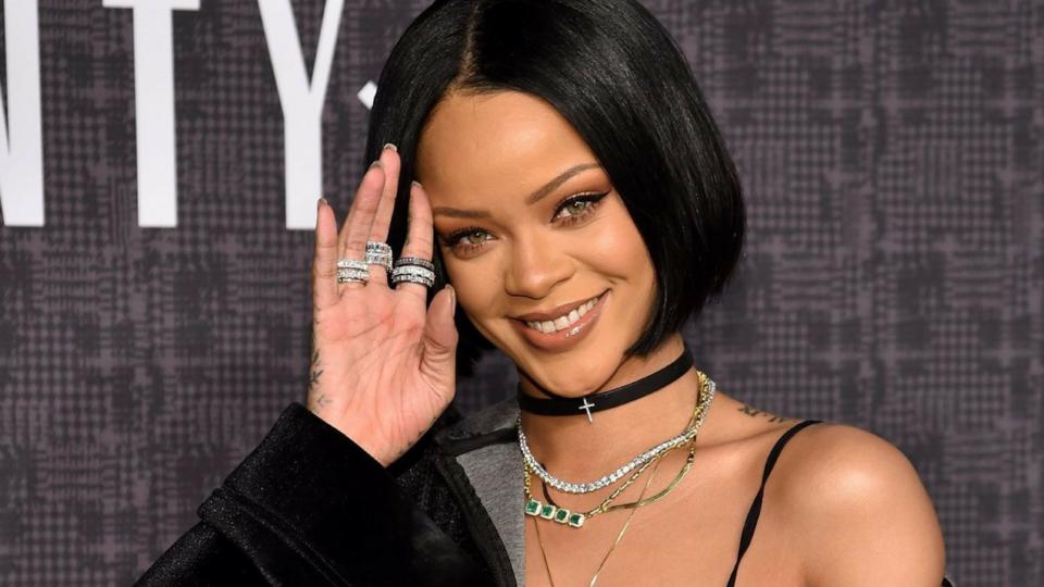 Rihanna Responds After Make Up Forever Slights Fenty Beauty