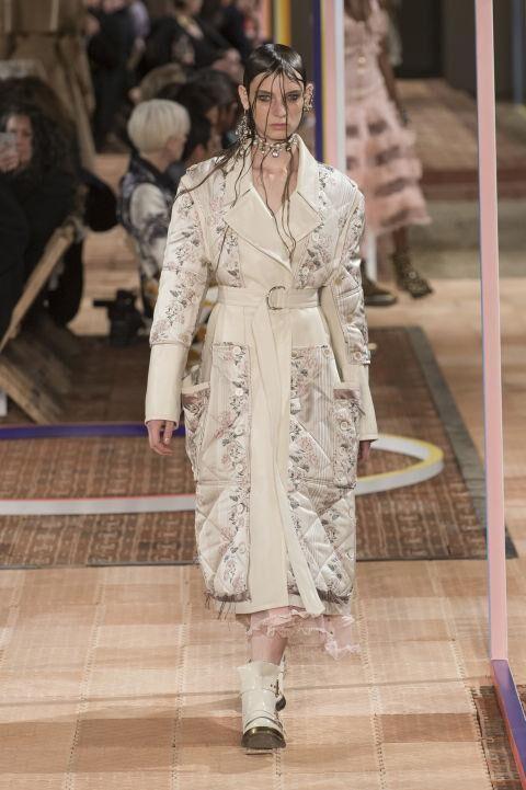 See The Alexander McQueen Spring/Summer 2018 Collection