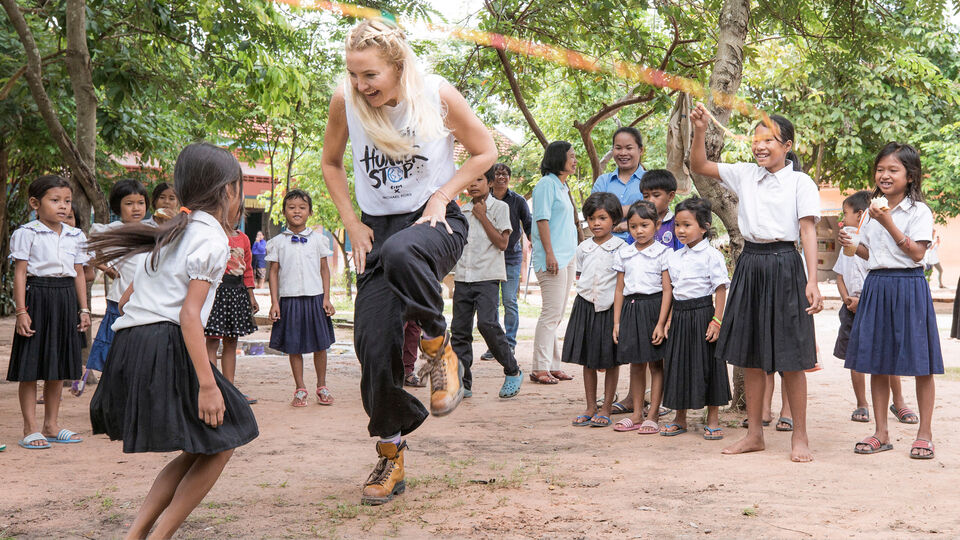 Kate Hudson Visits Cambodia For Watch Hunger Stop Initiative