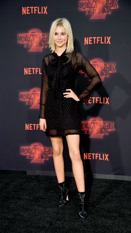 All The Red Carpet Fashion From The Stranger Things Season 2 Premiere