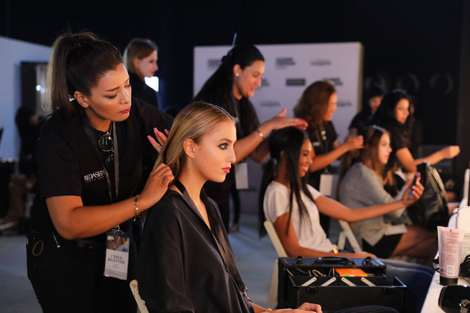 Five Spring/Summer 2018 Beauty Trends To Take From The Fashion Forward Runways