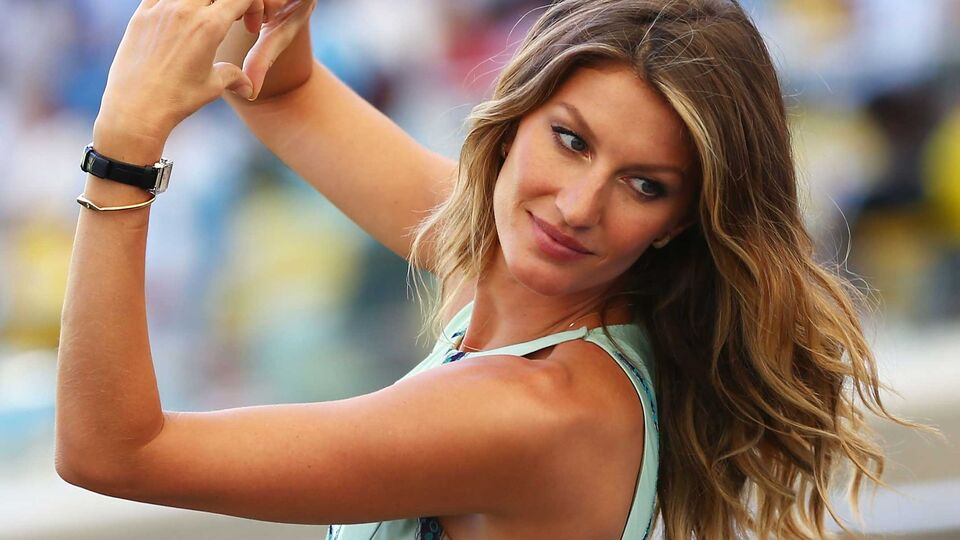 Exactly What To Ask For At The Hairdressers If You Want Gisele's blonde Hair Colour