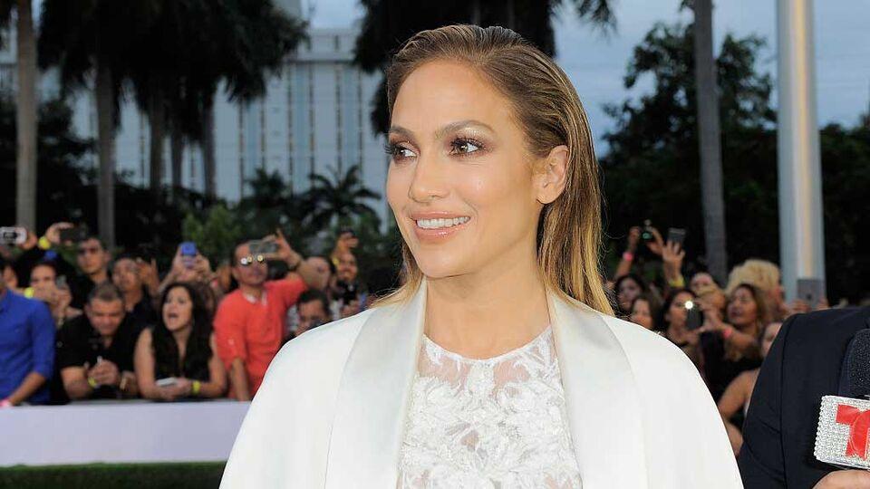 Palazzo Versace Dubai Is Hosting A Jennifer Lopez After-Party