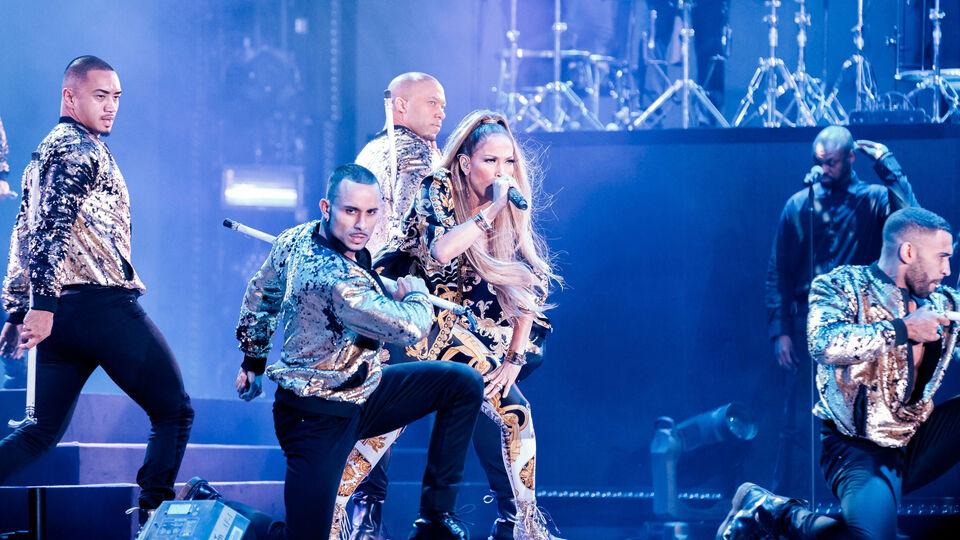 PICTURES: Jennifer Lopez Puts On Stunning Performance At Dubai Airshow Gala