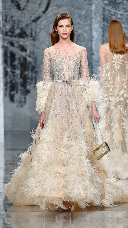10 Feathered Wedding Dresses From The Catwalk