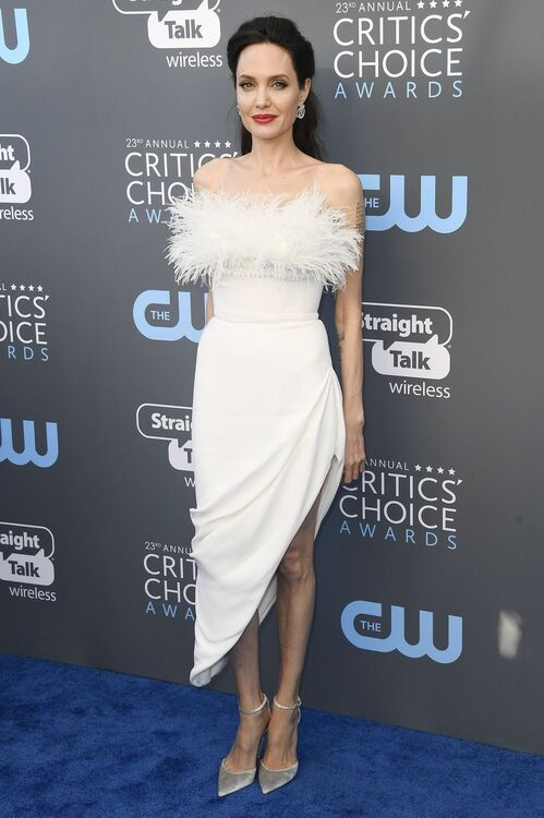 The 10 Must-See Dresses From The Critics' Choice Awards