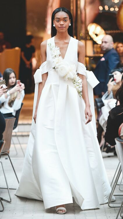 16 Exquisite Wedding Gowns with a Floral Touch