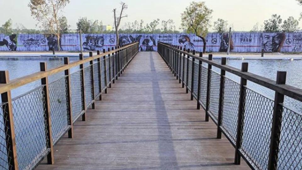 Dubai Now Has Its Very Own Love Lock Bridge